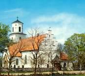 Vykort med motiv av Gärdslösa kyrka.
