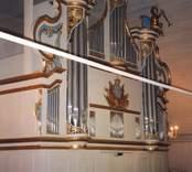 Orgeln i Hjorteds kyrka, levererad 1904 av  E. A. Setterquist & Son. Den byggdes om 1968 av A. Magnussons Orgelbyggeri AB i Göteborg. Den tillhörande orgelfasaden byggdes 1778 och renoverades år 2000.