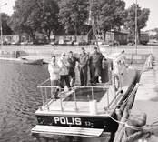 Sjöpolis. Första året. Båt och personal hemmahörande i Västervik.