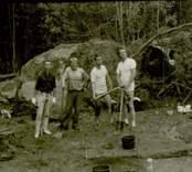 Arkeologisk undersökning  Boplats C:1. Grävstyrkan poserar: SM, PhS, MB och GA, från norr.