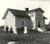 Familjen Andersson i Västantorp 1916.   Foto: Berners samling, Hjorteds hembygdsförening.