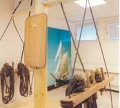 Interiör från utställningen Framtidstro i Oskarshamn. Här om skonaren Shalom.