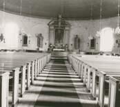 Interiör mot koret i Misterhults kyrka.