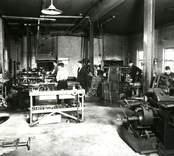 Företaget startades 1930 av Bröd. Gunnar och Per Elandsson. Verktyg för träindustrin blev från början specialiteten och man fick snabbt en marknad för sina produkter. 1936 förlades firman från Trekanten till Nybro, och verkstaden vid Hornsgatan 18 byttes såsmåningom ut mot en modern fabriksanläggning vid Herkulesgatan. Där sysselsattes i tidsenliga och rymliga lokaler ett tiotal man. Flera av de anställda hade börjat som lärlingar och således gått i skola i företaget. Senare tillkom som ägare Gunnar Ekenhagen. Senare kom Nybro Cementgjuteri att sträcka sig över det område som tidigare hade tagits i anspråk av AB Nybro Stålindustri. (Källa: Gerhard Köppen, Paradisgatan 15, Nybro)