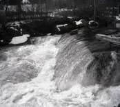 Virån, vattenflöde som rinner ut i Östersjön.