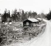 Torpet Aspelund (Danila - Torpet) beläget mellan Mjöshult och Kråksmåla invid landsvägen.