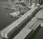 Varor från cellulosafabriken i Edsbruk vid hamnen.  Eds bruk, Gamlebruk.