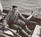 Karl Pettersson, 80-årig fiskare och skeppare. Äventyrlig levnad. Foto:Nils J Nilsson 351/48