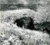 Envalvig stenbro i Haltemåla.