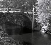 Stenvalvsbro med ett valv, i Torsjö.