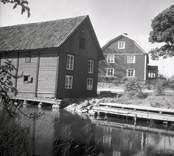 Kastmanska gården i Figeholm. Bostadshus och ekonomibyggnad.