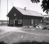 Figeholms skärgård, en handelsbod vid Kärrviks hamn.