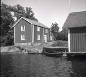 Misterhults socken, boningshus och sjöbod vid Älö.
