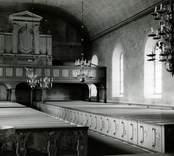 Vy mot orgelläktaren i Kristdala kyrka, innan restaureringen 1962.