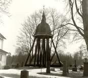 Klockstapeln vid Oskars kyrka.