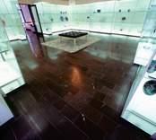 Orrefors Glasbruk, utställningshallen.