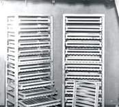 """Fruktlådor i Torshill, Mörtfors.  Lådorna tillverkade i början av 1950-talet, 1953-54 av Karl-Erik Bohmans morbror Algot Johansson, som även byggde och bebodde Torshill där lådorna fortfarande finns kvar. Algot Johansson avled 1973. Han var under en följd av år medlem i Mörtfors Fruktodlareförening, som han också var med och bildade i febr. 1946. I föreningens första årsberättelse skriver Algot Johansson som sekreterare bl a följande: """"Föreningen hade vid årets början 37 medlemmar och vid dess slut 35. Under året har en kurs förekommit i trädgårdsodling""""."""
