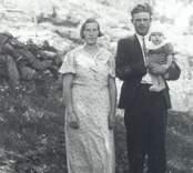 Makarna Artur och Gunhild Pettersson, Strängbo med sonen Bengt.