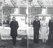 Jordbrukaren Svante Nordvall, Västra Ramnebo (vänstra halvan) och till höger barnen Ville, Dagny och Folke.  Obs.! Svante Nordvalls syrtut.