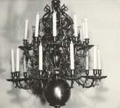 En ljuskrona från Loftahammars kyrka.