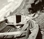 Aktern och ruffen på marknadsbåten Helena.