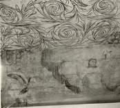 """Takmålning i Väderskärs kapell,  föreställande  Jesu uppståndelse. Byggt 1590 och flyttat till platsen 1615.  """"Kapellet är ett lågt timmerhus med ett stort vapenhus med dörr i väster. Det är knuttumrat med inklädda knutar, klätt med stående panel troligen på 1700-talet. I inredningen, som är helt av trä, finns enkla rakryggade bänkar där det på flera platser finns inskurna bomärken. Altaret är ett enkelt, framtill klätt bord som även tjänar som predikstol. Väggar och tak är till största delen målade och målningarna är av två slag. En enklare typ av målning i allmogestil finns huvudsakligen i tak och gavlar. De framställer bla en Golgatascen, änglar, skepp mm och är daterade 1740. Övriga delar av kapellets innerväggar panelades förmodligen 1738 med redan förut målade brädor. Bland dessa kan bla urskiljas Kristi dop, Kristi uppståndelse mm. Numera utnyttjas kapellet till sommargudstjänster och bröllop bla. Genom länsstyrelsens beslut 1980 blev det ett byggnadsminne.""""  (hämtat från Nationalencyklopedin.)"""
