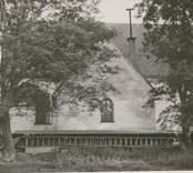 Döderhults kyrka Kyrkan och kyrkogården