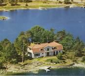 Villa på udde i Påskallavik, på vägen ut mot Nöto.