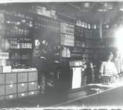 A Malmberga handelsaffär i Blankaholm 1912.
