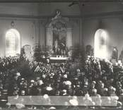 En prästs begravning i Hjorteds kyrka.