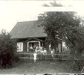 Familj samlad i Hagnäset 1924.