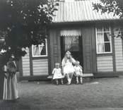 Lekstuga med barn i Falsterbo.