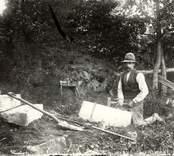 Stenhuggare Nilsson, Salhult i arbete 1913.