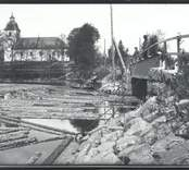 Sundsbro flottarlag 1916 under arbete invid Hjorteds kyrka.
