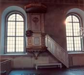 Interiör från Lofta kyrka.