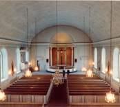 Interiör från Lofta kyrka. Bilden är tagen innan renoveringen 1992.