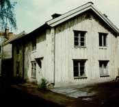 Ett bostadshus på Hamngatan i Gamleby.