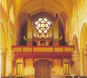 Vykort med interiör från Sankt Petri kyrka.