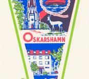 Vykort med motiv från Oskarshamn, kyrkan och Sjöfartshotellet.