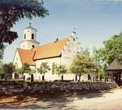 Vykort över Gärdslösa kyrka.