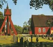 Kråksmåla kyrka och dess klockstapel.
