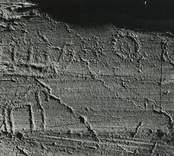 Cirka 300 meter från Lofta påträffades 1933 en ristning med sex skepp: en hästbild, tre spiraler eller koncentriska cirklar och ett tiotal skålgropar.