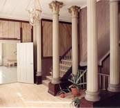 Interiör från hallen på övervåningen i Fredriksbergs herrgård (rum 200).