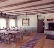 Fredriksbergs herrgård, matsal och äldre kök på bottenvåningen.