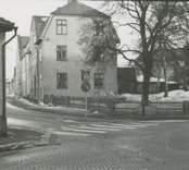 Bostadshus på Fabriksgatan i Nybro, sett från kvarteret Lönnen.