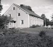 Huvudbyggnaden på prästgården i Hallingeberg.