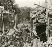 Hälleberga kyrka: Kyrkan brann ner 1976-10-18. Branden orsakades av ett elfel. Tornet i detalj kantkedja .Obs. OBS mellanväggar.