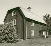 Småland Kristdala socken Bankhult (Regnellsgården)  Huvudbyggnad från sydväst.