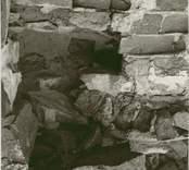 Östra korväggen i Ukna kyrkoruin.