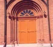 Gladhammar kyrkas portal.